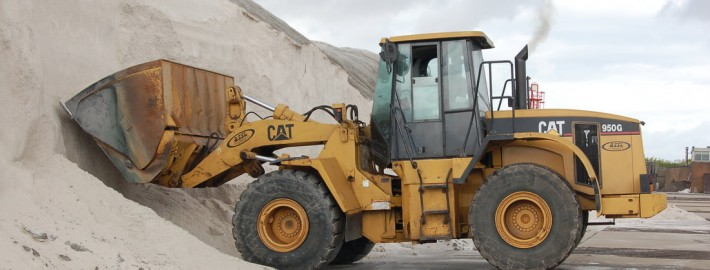 Avonmouth Shipping | CAT loading shovel
